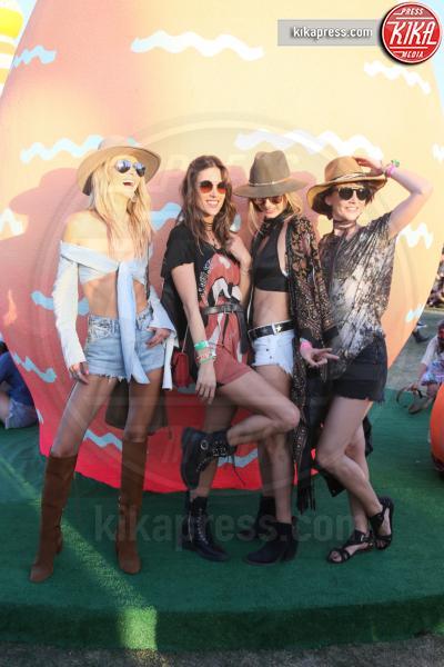 Alessandra Ambrosio - Indio - 15-04-2017 - Coachella 2017: Kylie Jenner tutta d'oro, Ferragni dark lady