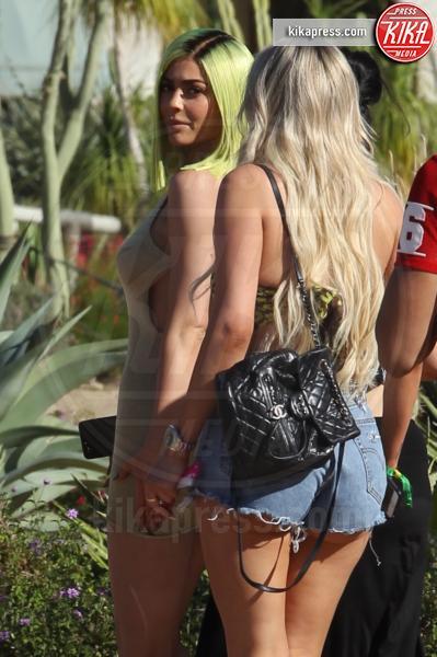 Kylie Jenner - Indio - 15-04-2017 - Coachella 2017: Kylie Jenner tutta d'oro, Ferragni dark lady