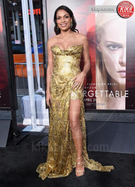 Rosario Dawson - Hollywood - 18-04-2017 - Il segreto dello spacco sexy di Rosario Dawson