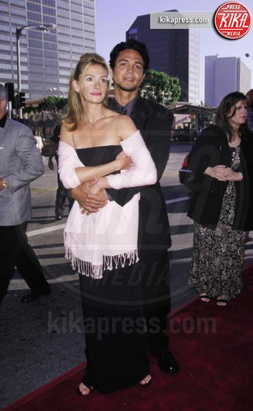 Benjamin Bratt, Julia Roberts - Hollywood - 26-07-1999 - Julia Roberts: i suoi look migliori sul red carpet