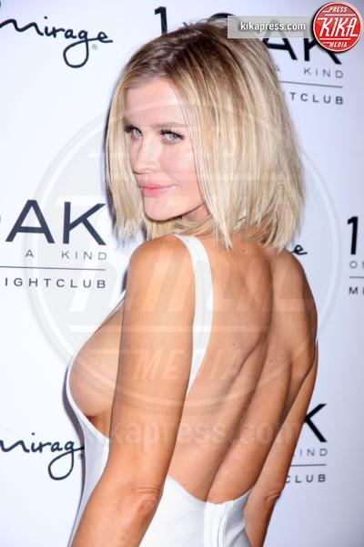 Joanna Krupa - Las Vegas - 06-02-2015 - Chiara Ferragni, The blonde salad goes to... sideboob!