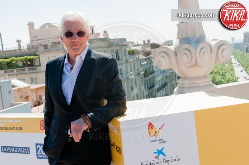 Richard Gere - Barcellona - 21-04-2017 - Richard Gere cede al richiamo della televisione