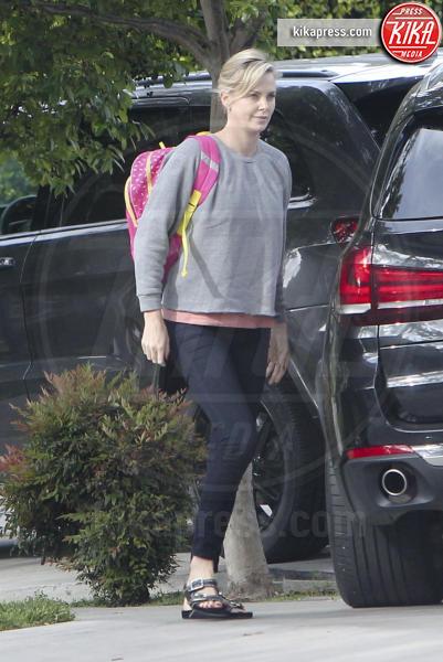 Charlize Theron - Los Angeles - 24-04-2017 - I figli di Charlize Theron? Li porta a scuola mamma!
