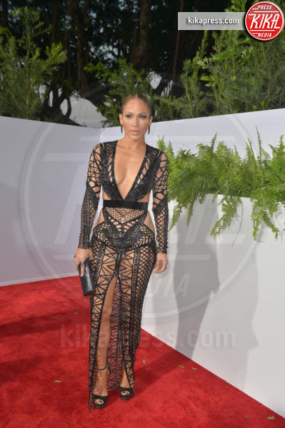 Jennifer Lopez - Coral Gables - 27-04-2017 - Le star che sanno osare: sensualità over 50 sul red carpet