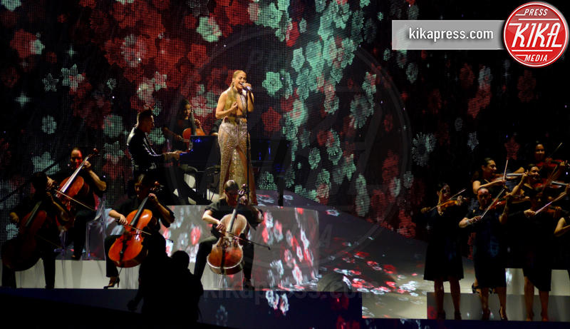 Jennifer Lopez - Coral Gables - 27-04-2017 - Billboard Latin Music Awards: J Lo cambia look, ma è sempre sexy
