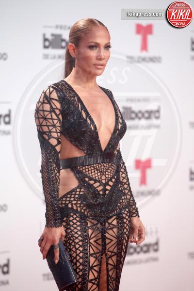 Jennifer Lopez - Coral Gables - 27-04-2017 - Grammy Awards 2018: J Lo/Maren Morris, chi lo indossa meglio?