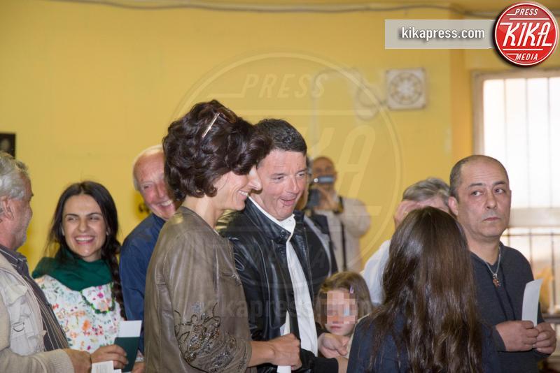 Agnese Landini, Matteo Renzi - Pontassieve - 30-04-2017 - Primarie PD, Matteo Renzi al seggio con moglie e figlia