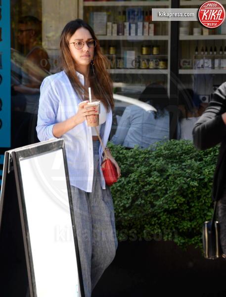 Jessica Alba - Beverly Hills - 30-04-2017 - 2006 - 2017: il tempo passa per tutti, ma non per Jessica Alba