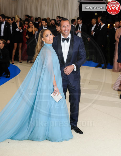 Alex Rodriguez, Jennifer Lopez - New York - 02-05-2017 - Met Gala: Rihanna la più eccentrica, loro le più sexy