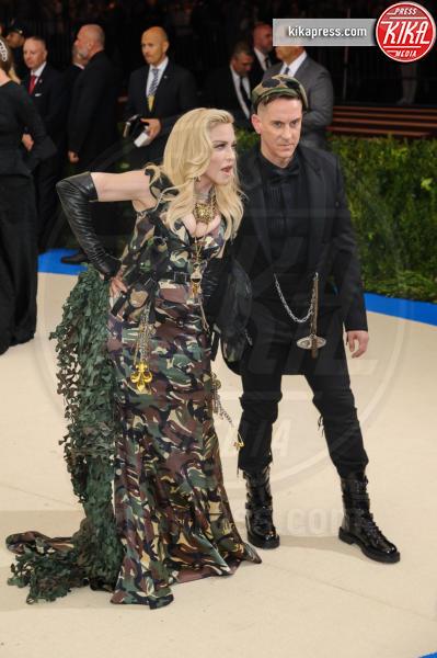 Madonna, Jeremy Scott - New York - 02-05-2017 - Met Gala: Rihanna la più eccentrica, loro le più sexy