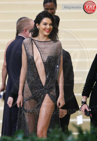 Kendall Jenner - New York - 01-05-2017 - Met Gala: Rihanna la più eccentrica, loro le più sexy