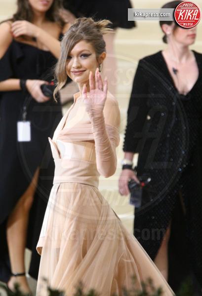 Gigi Hadid - New York - 01-05-2017 - Met Gala: Rihanna la più eccentrica, loro le più sexy