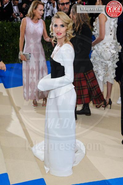 Allison Williams - New York - 02-05-2017 - Met Gala: Rihanna la più eccentrica, loro le più sexy