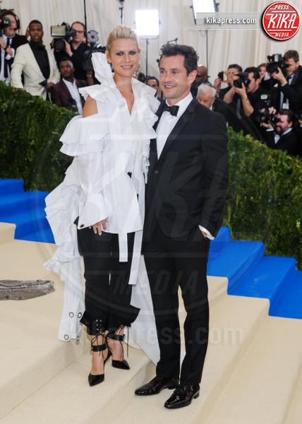 Hugh Dancy, Claire Danes - New York - 02-05-2017 - Met Gala: Rihanna la più eccentrica, loro le più sexy