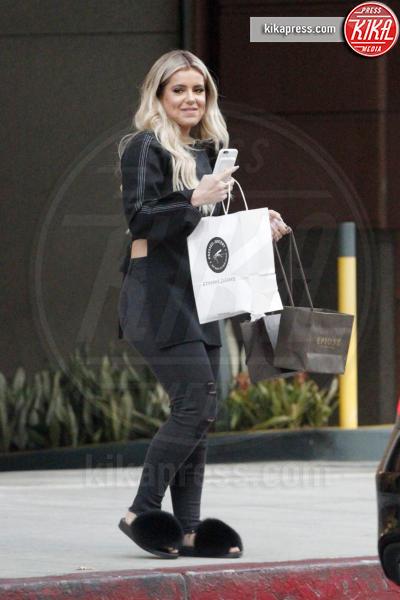 Brielle Bierman - Beverly Hills - 13-10-2016 - Chiara Ferragni e Gigi Hadid cercano il pelo... nelle pantofole!
