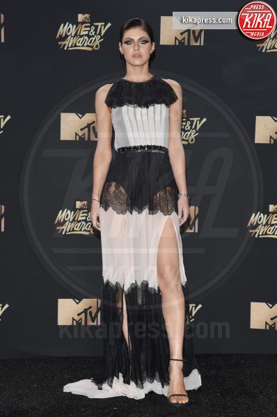 Alexandra Daddario - Los Angeles - 07-05-2017 - Emma Watson: