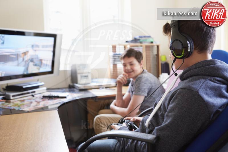 Two boys playing on computer game - 10-05-2017 - Tecnologia e giochi: che cosa cambierà nel 2019 per il gaming