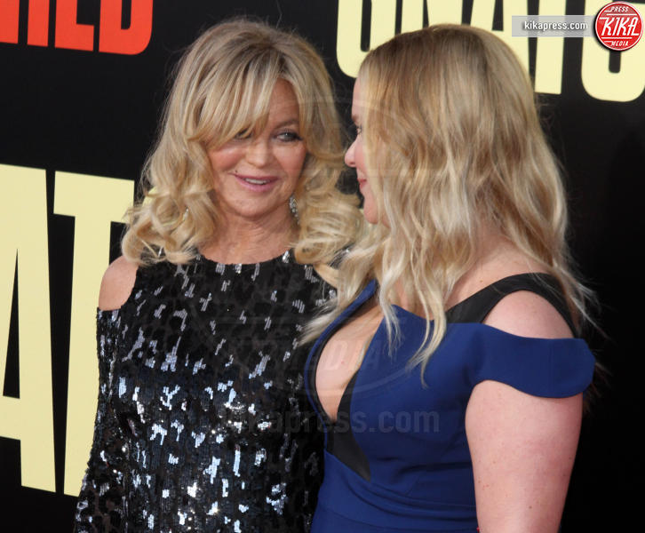 Amy Schumer, Goldie Hawn - Los Angeles - 10-05-2017 - Kate Hudson-Danny Fujikawa, public debut alla prima di Snatched