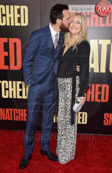 Danny Fujikawa, Kate Hudson - Westwood - 10-05-2017 - Kate Hudson-Danny Fujikawa, public debut alla prima di Snatched