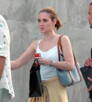 Winona Ryder - Beverly Hills - 27-04-2004 - Winona Rider a capofitto nel lavoro per non soffrire per amore