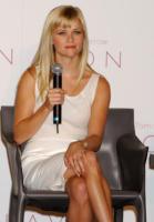 Reese Witherspoon - Beverly Hills - 02-08-2007 - Sharon Stone replica Basic Instinct su Instagram, web in delirio