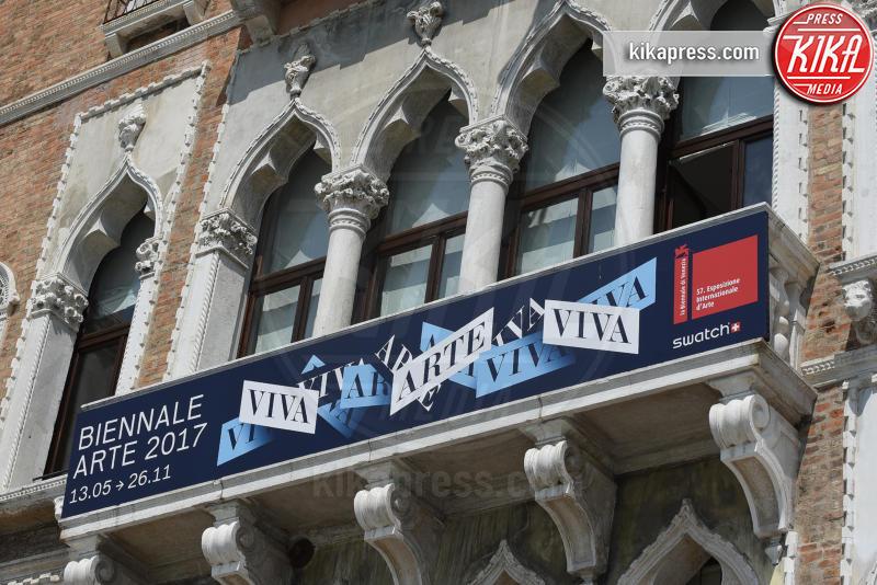 Venezia - 13-05-2017 - Maria Elena Boschi, dark lady alla Biennale di Venezia