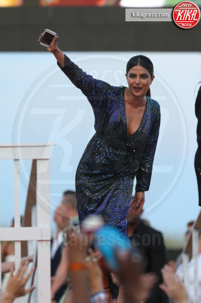 Priyanka Chopra - Miami - 13-05-2017 - Priyanka Chopra: la foto che ha fatto infuriare l'India