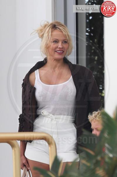 Pamela Anderson - Miami Beach - 14-05-2017 - Pamela Anderson-Julian Assange: tutta le verità in una lettera