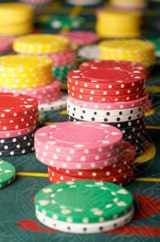 Stacked gambling chips - 16-05-2017 - I live casino conquistano gli appassionati dei giochi