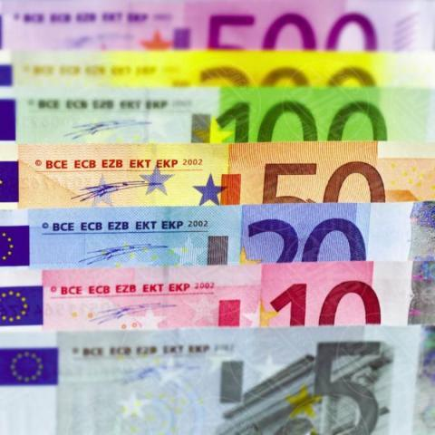 euro notes - 16-05-2017 - Cinque consigli per richiedere un prestito veloce