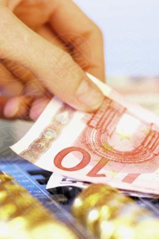 euro notes, coins - 16-05-2017 - Cinque consigli per richiedere un prestito veloce
