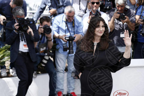 Monica Bellucci - Cannes - 18-05-2017 - Monica Bellucci subito hot: bacio focoso dopo il tango
