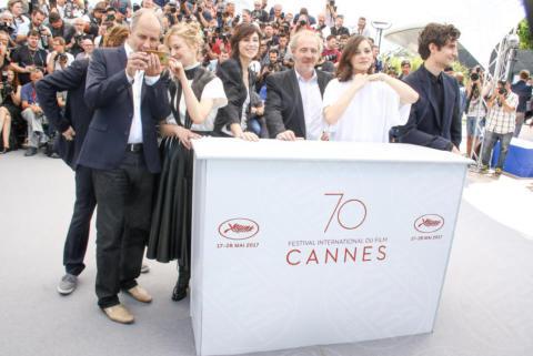 Arnaud Desplechin, Louis Garrel, Alba Rohrwacher, Charlotte Gainsbourg, Marion Cotillard - Cannes - 17-05-2017 - Cannes 2017, le immagini della prima giornata