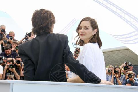 Charlotte Gainsbourg, Marion Cotillard - Cannes - 17-05-2017 - Cannes 2017, le immagini della prima giornata