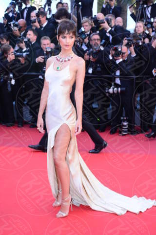 Emily Ratajkowski - Cannes - 17-05-2017 - Cannes 2017: sul red carpet lo spacco spacca!
