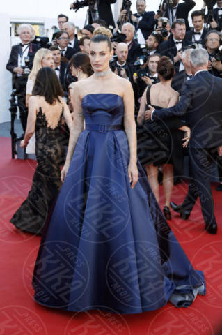Sveva Alviti - Cannes - 17-05-2017 - Cannes 2017: scollature, spacchi e trasparenze sul red carpet