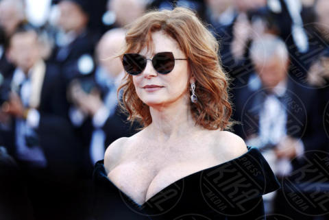 Susan Sarandon - Cannes - 17-05-2017 - Cannes 2017: scollature, spacchi e trasparenze sul red carpet
