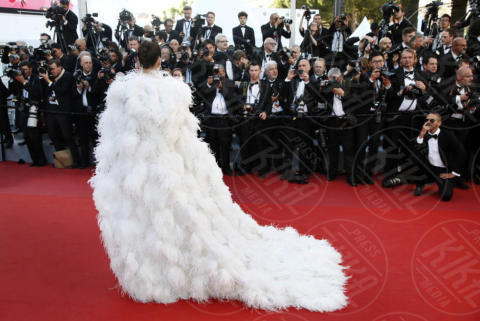 Chompoo Araya - Cannes - 17-05-2017 - Cannes 2017: scollature, spacchi e trasparenze sul red carpet