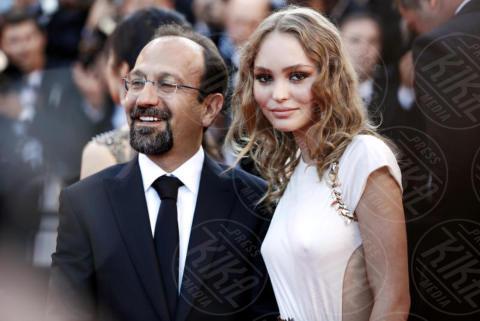 Lily Rose Depp, Asghar Farhadi - Cannes - 17-05-2017 - Cannes 2017: scollature, spacchi e trasparenze sul red carpet
