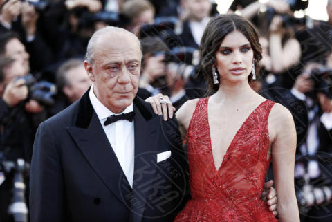 Sara Sampaio - Cannes - 17-05-2017 - Cannes 2017: scollature, spacchi e trasparenze sul red carpet
