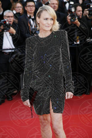 Robin Wright - Cannes - 17-05-2017 - Cannes 2017: scollature, spacchi e trasparenze sul red carpet