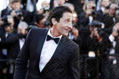 Adrien Brody - Cannes - 17-05-2017 - Cannes 2017: scollature, spacchi e trasparenze sul red carpet