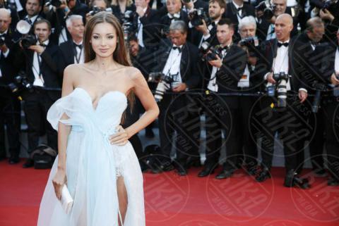 Lara Lieto - Cannes - 17-05-2017 - Cannes 2017: sul red carpet no-bra... viva la libertà!