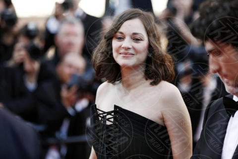 Marion Cotillard - Cannes - 17-05-2017 - Cannes 2017: scollature, spacchi e trasparenze sul red carpet
