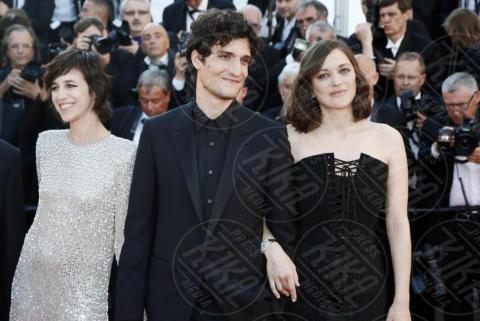Charlotte Gaisbourg, Louis Garrel, Marion Cotillard - Cannes - 17-05-2017 - Cannes 2017: scollature, spacchi e trasparenze sul red carpet