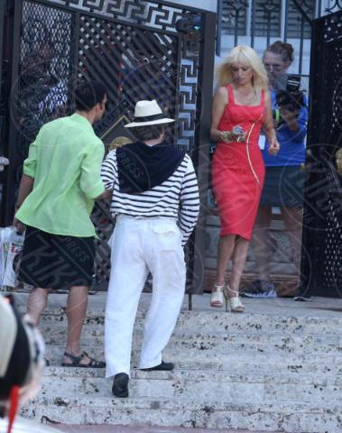 Edgar Ramirez, Penelope Cruz, Ricky Martin - Miami Beach - 17-05-2017 - Penelope Cruz, la versione sexy di Donatella Versace