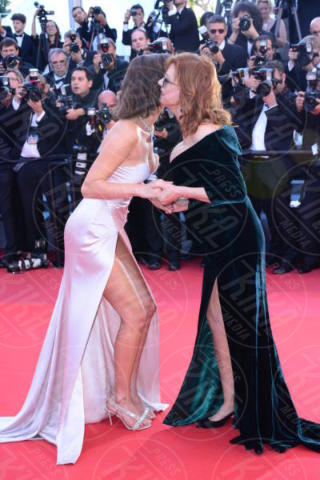 Bella Hadid, Susan Sarandon - Cannes - 17-05-2017 - Cannes 2017: sul red carpet lo spacco spacca!
