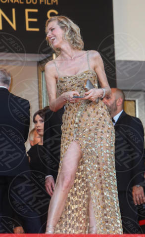 Eva Herzigova - Cannes - 17-05-2017 - Cannes 2017: sul red carpet lo spacco spacca!