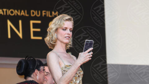Eva Herzigova - Cannes - 17-05-2017 - Cannes 2017, le immagini della prima giornata
