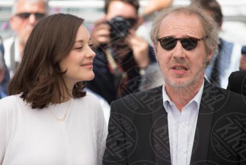 Arnaud Desplechin, Marion Cotillard - Cannes - 17-05-2017 - Cannes 2017, le immagini della prima giornata